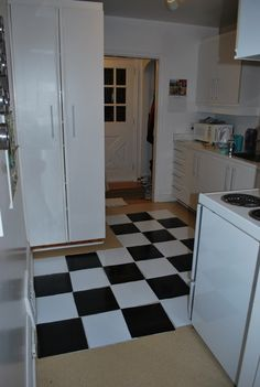 Comis Vinyl Flooring Safe : laying kitchen floor peel and stick tiles for a temporary floor make ...