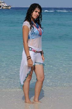 Taapsee Pannu Wet Navel Show in Beach Photos ~ ACTRESS RARE PHOTO GALLERY