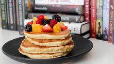 Pancakes Végétaliens, Pancakes Sans Gluten, Tasty Pancakes, Making Pancakes, Homemade Pancakes Fluffy, Fluffy Pancakes, Vegan Pancake Recipes, Vegan Recipes, Appetizers