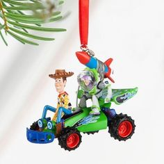 Disney Toy Story Woody and Buzz Ornament: Give your holiday a boost with this Toy Story Sketchbook Ornament. Buzz Lightyear has strapped a rocket to his back in an effort to give RC a little help as he and Woody go for a ride. Hallmark Ornaments, Holiday Ornaments, Holiday Fun, Disney Store Toys, Disney Toys, Disney Babies, Disney Disney, Woody Und Buzz, Best Christmas Toys