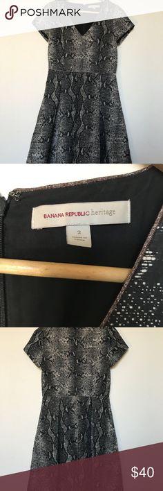 "Banana Republic Heritage SZ 2 Black Metallic Dress Black Metallic Gold Pleated Dress. Almost looks like snakeskin. Gorgeous dress! Size 2  Bust 17"" Waist 14.5"" Length 35"" Banana Republic Dresses"