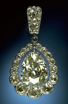 https://flic.kr/p/6EMKEY | 1995-40416.jpg | The William Sherman Diamond is one of five pendants from a diamond necklace.  The necklace was a gift from the khedive of Egypt to Civil War General William Sherman for his daughter's wedding in 1865.  The necklace was subsequently divided among his three daughters.  The pendant has an 8.52-carat pear shaped diamond surrounded by 17 round diamonds, graduating in size. It was donated to the Smithsonian Institution by Cecilia McCallum Bolin in…