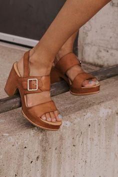 New Balance Women shoes 530 - - - - Women shoes Flats Zapatos Cute Womens Shoes, Womens Shoes Wedges, Stylish Shoes For Women, Trendy Shoes, Clog Sandals, Women's Shoes Sandals, Shoes Sneakers, Shoe Wedges, Wedge Sandals Outfit