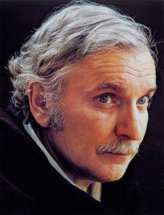 Jean Duceppe Portraits, Man O, Important People, Beautiful Men, Public, Film, Celebrities, Showgirls, Souvenir