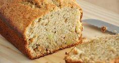 Receita de Pão de Batata Doce sem Glúten - 2 colheres (sopa) de aveia (sem glúten) em flocos, 4 claras, 1 gema, 100g de batata doce cozida, 1 colher (chá) d...