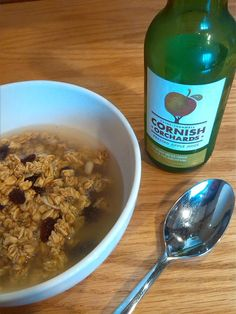 Granola with apple juice instead of milk- delicious! who knew? Orchards, Apple Juice, Granola, Oatmeal, Milk, Twitter, Breakfast, Food, The Oatmeal