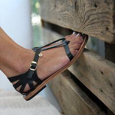 Paphos elegant handmade leather sandal, Greek Sandals made locally Cute Sandals, Black Sandals, Leather Sandals, Shoes Sandals, Flats, Only Shoes, Greek Sandals, Huarache, Mode Style