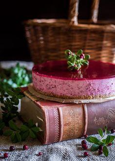 Puolukkamoussekakku – Perinneruokaa prkl | Meillä kotona Cheesecake Bites, Soul Food, Panna Cotta, Sweet Treats, Xmas, Cooking Recipes, Baking, Ethnic Recipes, Kitchens