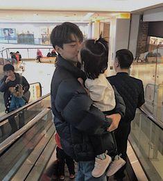 Asian Parents, Asian Kids, Cute Asian Babies, Cute Babies, Couple With Baby, Asian Cosplay, Web Drama, Teen Celebrities, Ulzzang Couple