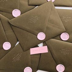 In love with this green and pink contrast ~ ✨also in love with our Orchid wax seal design Unique Modern Wedding Invitations # Source by undschwarz - Evening Wedding Invitations, Modern Wedding Invitations, Wedding Invitation Wording, Invitation Ideas, Branding And Packaging, Packaging Design, Luxury Packaging, Seal Design, Poster S