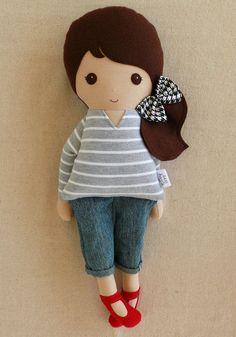 Зарезервировано для Sky-Fabric Кукла Rag Doll Браун волосатая девочка в серый полосатый началу и обрезано Jeans