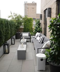 A roof garden is a type of garden situated on a roof of a building. Ever since, humans have developed … Outdoor Balcony, Outdoor Spaces, Outdoor Living, Outdoor Decor, Outdoor Patios, Outdoor Kitchens, Small Terrace, Terrace Garden, Small Patio