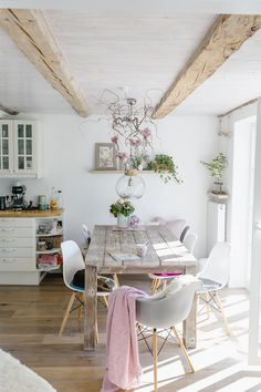 Country Chic, Hygge, Home Kitchens, Dining Table, Living Rooms, Furniture, Design, Home Decor, Kitchens
