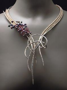 La vida secreta de las joyas - Un Universo de Arte Artesanal to Wear: octubre 2011