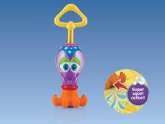 Polipo Spruzzino Squid Squirter  Con il Polipo Squid Squirter il bagnetto diventera' un gioco divertentissimo!  Tieni il polipo immerso e aspira l'acqua nella sua pancia, una volta riempito spingi la maniglia e spruzza l'acqua da tutte le parti.  Questo simpatico gioco è ideale per la piscina e il mare, incoraggia lo sviluppo e il gioco. BPA free