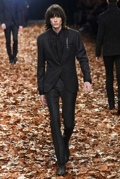 Awesome Black Mens Fashion John Varvatos Fall 2015 Menswear - Collection - Gallery - Style.com... Check more at http://24store.ml/fashion/black-mens-fashion-john-varvatos-fall-2015-menswear-collection-gallery-style-com/