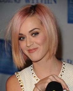i loved Katy Perry's peach / pink hair.