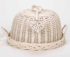 LARGE CREAM WICKER/WILLOW DOME CLOCHE FOOD/CAKE STAND WEDDING VINTAGE HEART CHIC: Amazon.co.uk: Kitchen & Home