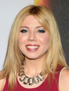 """Jennette McCurdy - """"Michael Jackson ONE by Cirque du Soleil"""" World Premiere At Mandalay Bay"""