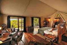 Holly glamptastic safari! I could totally live here ⛺