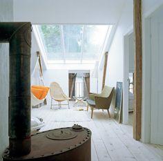 Scandinavian Retreat: White and wood & indoor hammock
