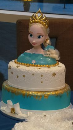 Oval Frozen themed cake by Sweet Confections Cakes