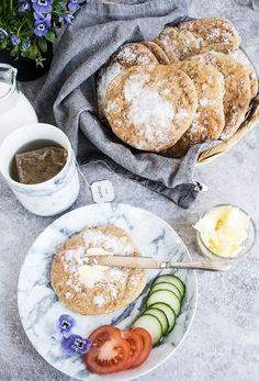 """(Swedish glutenfree """"Tekakor"""", for english text scroll down)   God morgon alla. Finns det något bättre än nybakat bröd till frukost? Ända sedan jag gick över till att äta glutenfritt har jag…"""