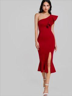 Đầm dự tiệc lệch vai đuôi cá màu đỏ
