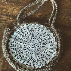 Chanvre et vieilles dentelles @sowoolsocool @brigiack #hemp #bag #circlebag #crochet #crochetaddict #crochetbag #doily #antiquedoily #napperon #dentelle #instagood #instamood #unique #madeinmonaco Dominique, Hemp, Crochet, Wool, Cool Stuff, Unique, Bags, Instagram, Placemat