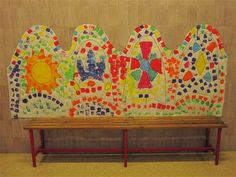 Banc de Gaudí Material: Paper, colors, pintura, tisores Nivell: Infantil 2013/14 Artists For Kids, Art For Kids, Great Buildings And Structures, Modern Buildings, Modern Architecture, 3rd Grade Art Lesson, School Murals, Spanish Culture, Mosaic Flowers