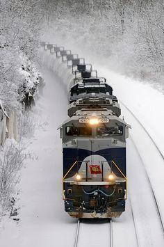 Net Photo: NS 1070 Norfolk Southern EMD at Larimer, Pennsylvania by Ed Wolfe U Bahn Station, Train Station, Train Tracks, Train Rides, Locomotive, Choo Choo Train, Norfolk Southern, Railroad Photography, Train Art