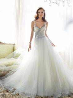 Tul para un vestido de novia impresionante de Sophia Tolli
