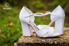 Sapatos confortáveis e modernos para noivas na Spaço Criativo.