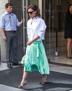 Victoria Beckham Photos Photos - Fashion designer Victoria Beckham is seen leaving her Manhattan hotel on September 13, 2016 in New York City, New York. - Victoria Beckham Is Seen Out and About in NYC