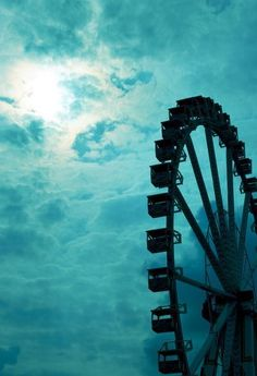 Ferris Wheel against underwater Sky Shades Of Turquoise, Shades Of Blue, Turquoise Table, Dream On Dreamer, Goldscheider, Aqua, Teal Blue, Monochrom, Photos
