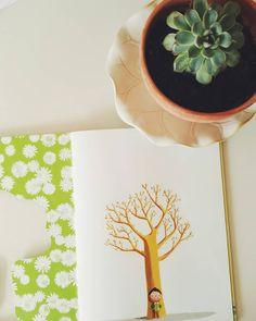 """57 Gostos, 3 Comentários - Adriana Oliveira (@mundoflo) no Instagram: """"Books that talk about Spring - """"O Livro Verde da Primavera"""", by Sophie Coucharrière, and Hervé Le…"""""""