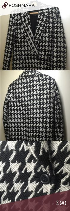 """THEORY DANVEG BROOKLINE HOUNDSTOOTH WOOLBLEND COAT Fun fact, this is the coat Mindy Kaling wore in an episode of The Mindy Project!   The size is a P, would fit a 4/6. The fit is trendy/boxy and gets narrower at the bottom, so it looks better unbuttoned. I have a wide bust and wide hips, the top half fit great and the bottom was tight when buttoned. Retailed for $695, now sold out!  Measurements:  Shoulder to shoulder 17 ½""""  Arm length 24""""  Length from neck/shoulder to the bottom 31""""   Let…"""