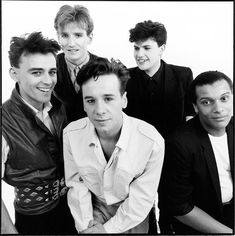 "Simple Minds are a Scottish rock band who achieved worldwide popularity from the mid-1980s to the early 1990s.  The band produced a number of critically acclaimed albums in the early 1980s and best known for their No. 1 US, Canada and Netherlands hit single ""Don't You (Forget About Me)"", from the soundtrack of the John Hughes film The Breakfast Club."