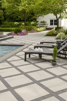 This traditional patio design is timeless beauty at its best. Our Industria square shape patio smooth surface allows you to play with colors. Concrete Patio Designs, Backyard Pool Designs, Swimming Pools Backyard, Backyard Landscaping, Pool Decks, Stone Patio Designs, Stone Backyard, Concrete Patios, Patio Slabs