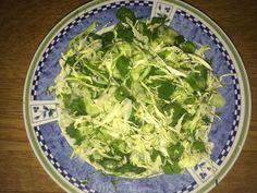 Krautsalat aus jungem Weißkohl mit Gurken und Dill (ukrainische Küche)   Gemüse Rezept auf Kochrezepte.de von Bentson