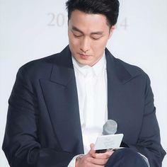 "BoGoShipDa JiSubpa' 💕💕  คิดถึงนะคะเฮีย 🙃🙃🙃  Thanks & Credit to ""TOPSTARNEWS""  #sojisub #soganji #soganzi #sojisubar #sojisubkingdom #51kingdom #51k #fiftyonek #kdramaactor #korean #korea #koreanseries #koreanmovie #koreandrama #melodrama #korea #idol #kpop #sonick #omv #handsomeman #koreansinger #battleshipisland #sexyguy #ohmyvenus #hiphop #sjs #蘇志燮 #오마이비너스 #소지섭 #thebattleshipisland  Thanks a Million for Ur All Support 🍀🍀🍀"