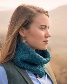Textured cabled cowl knit in The Fibre Co. Cumbria Fingering. Ireby by Marcela Chang