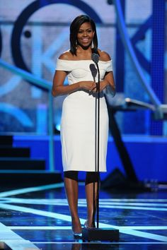 Michelle Obama in Zac Posen at the Black Girls Rock! Michelle Obama Fashion, Barack And Michelle, Black Girls Rock, American First Ladies, Dior, Black Presidents, Weekend Style, Style And Grace, Zac Posen