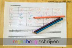 Schrijfbladen: regenboog schrijven Idee: klikklakmap maken met alle letters erin, zodra een letter is aangeboden als schrijfletter deze in de map vervangen voor de schrijfletters. Met deze map woorden laten maken en op dit regenboogblad laten schrijven, betere integratie van schrijven en lezen....