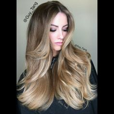 Throwback!! I see @_katherinewebb once a year for a combo of babylights and balayage. Have a beautiful Sunday!