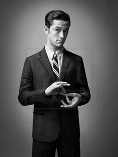 Joseph Gordon-Levitt (i think two pins of each is best for everyone) Pretty Men, Gorgeous Men, Pretty People, Beautiful People, Macho Alfa, Joseph Gordon Levitt, Blue Poppy, Raining Men, Comme Des Garcons