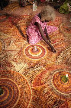 Collaborative Lamps Weave Aboriginal Art with Recycled Plastic Waste Aboriginal Culture, Aboriginal Art, Weaving Projects, Weaving Art, Pet Bottle, Plastic Waste, Weaving Techniques, Lamp Shades, Lamp Design