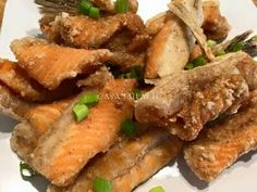 Try this simple recipe yet very tasty and appetizing. Ingredients: 2 lbs salmon belly, cut into 2 inches strips Salt and ground black p. Salmon Belly Recipes, Fish Recipes, Seafood Recipes, Cooking Recipes, Healthy Recipes, Fried Salmon, New Year's Food, Pinoy Food, Special Recipes
