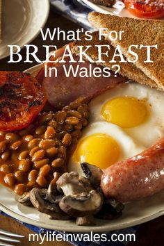 The Full English Breakfast is the most recognized traditional British dish, but what do they eat for breakfast in Wales? What's For Breakfast, Sunday Roast Dinner, Hard Bread, Welsh Recipes, British Dishes, World Recipes, Eat, Ethnic Recipes