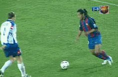 Want To Know About Football? You will really enjoy football if you give the game a chance. You must like football. Soccer Gifs, Soccer Memes, Soccer Drills, Football Players, Brazil Football Team, Football Gif, Football Cards, Messi Gif, Neymar